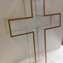 Католический крест из оргстекла