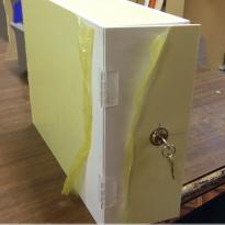 Коробка из ПВХ с замком